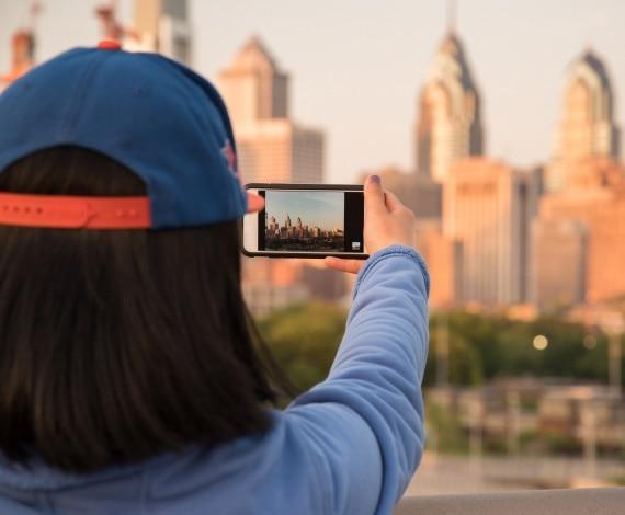 meet women in Philadelphia